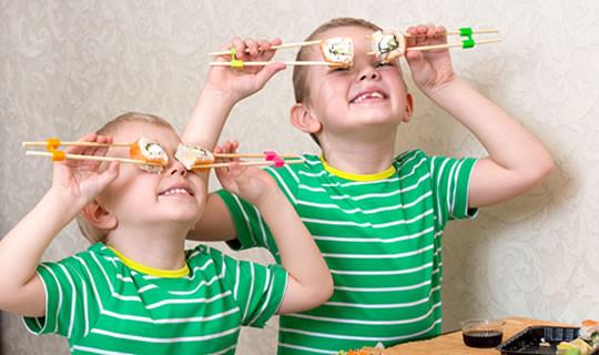 Kinder Essstäbchen